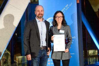 TAP vergibt Stipendium an Studentin der Hochschule Ruhr West